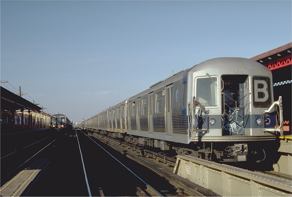 (164k, 1024x692)<br><b>Country:</b> United States<br><b>City:</b> New York<br><b>System:</b> New York City Transit<br><b>Line:</b> BMT West End Line<br><b>Location:</b> Bay 50th Street <br><b>Route:</b> B<br><b>Car:</b> R-42 (St. Louis, 1969-1970)  4633 <br><b>Photo by:</b> Steve Zabel<br><b>Collection of:</b> Joe Testagrose<br><b>Date:</b> 11/19/1981<br><b>Viewed (this week/total):</b> 3 / 3792