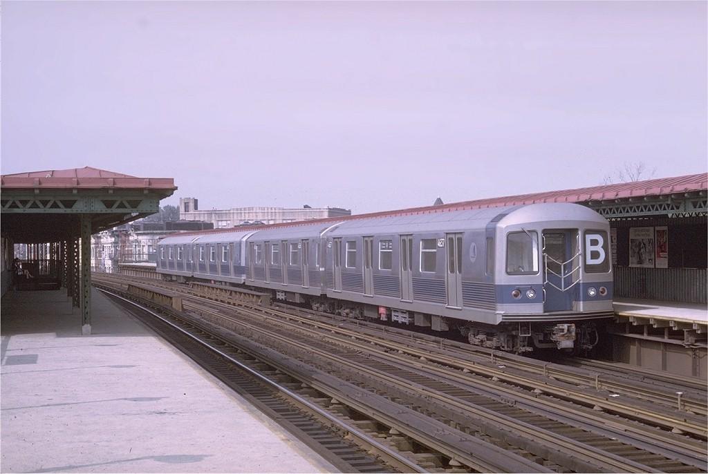 (157k, 1024x686)<br><b>Country:</b> United States<br><b>City:</b> New York<br><b>System:</b> New York City Transit<br><b>Line:</b> BMT West End Line<br><b>Location:</b> 55th Street <br><b>Route:</b> B<br><b>Car:</b> R-42 (St. Louis, 1969-1970)  4637 <br><b>Photo by:</b> Doug Grotjahn<br><b>Collection of:</b> Joe Testagrose<br><b>Date:</b> 7/27/1969<br><b>Viewed (this week/total):</b> 0 / 3430