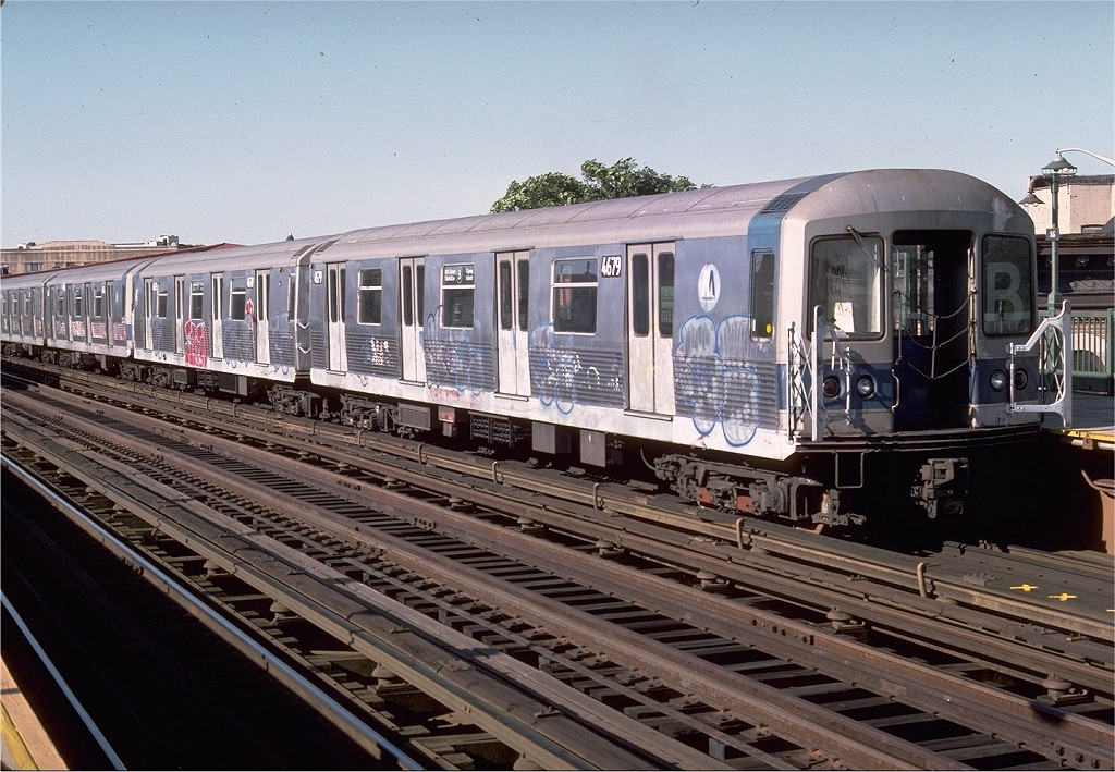 (239k, 1024x709)<br><b>Country:</b> United States<br><b>City:</b> New York<br><b>System:</b> New York City Transit<br><b>Line:</b> BMT West End Line<br><b>Location:</b> 55th Street <br><b>Route:</b> B<br><b>Car:</b> R-42 (St. Louis, 1969-1970)  4679 <br><b>Photo by:</b> Doug Grotjahn<br><b>Collection of:</b> Joe Testagrose<br><b>Date:</b> 6/3/1977<br><b>Viewed (this week/total):</b> 0 / 3665