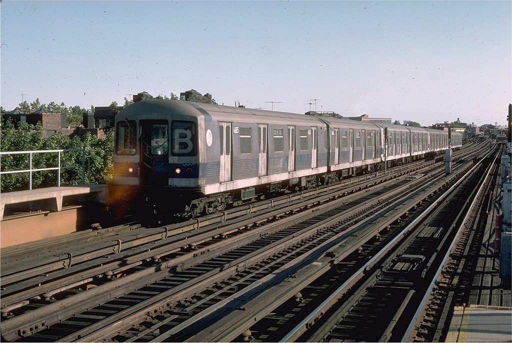 (243k, 1024x686)<br><b>Country:</b> United States<br><b>City:</b> New York<br><b>System:</b> New York City Transit<br><b>Line:</b> BMT West End Line<br><b>Location:</b> 55th Street <br><b>Route:</b> B<br><b>Car:</b> R-42 (St. Louis, 1969-1970)  4685 <br><b>Photo by:</b> Doug Grotjahn<br><b>Collection of:</b> Joe Testagrose<br><b>Date:</b> 8/31/1976<br><b>Viewed (this week/total):</b> 2 / 3039