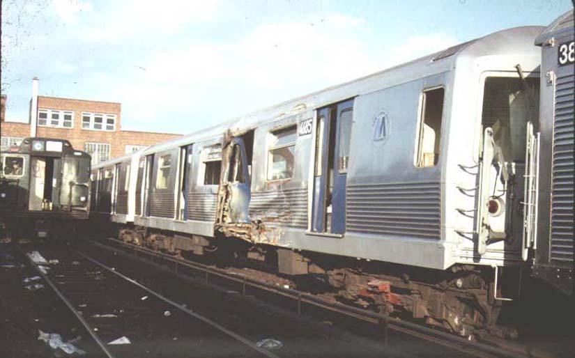 (56k, 825x514)<br><b>Country:</b> United States<br><b>City:</b> New York<br><b>System:</b> New York City Transit<br><b>Location:</b> 207th Street Yard<br><b>Car:</b> R-42 (St. Louis, 1969-1970)  4685 <br><b>Photo by:</b> Harold<br><b>Date:</b> 1986<br><b>Viewed (this week/total):</b> 0 / 13272