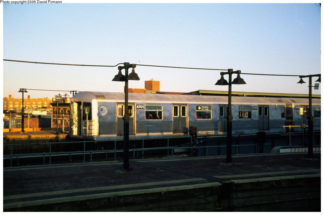 (145k, 1044x695)<br><b>Country:</b> United States<br><b>City:</b> New York<br><b>System:</b> New York City Transit<br><b>Line:</b> BMT Canarsie Line<br><b>Location:</b> Atlantic Avenue <br><b>Route:</b> L<br><b>Car:</b> R-42 (St. Louis, 1969-1970)  4701 <br><b>Photo by:</b> David Pirmann<br><b>Date:</b> 4/30/1999<br><b>Viewed (this week/total):</b> 0 / 3962