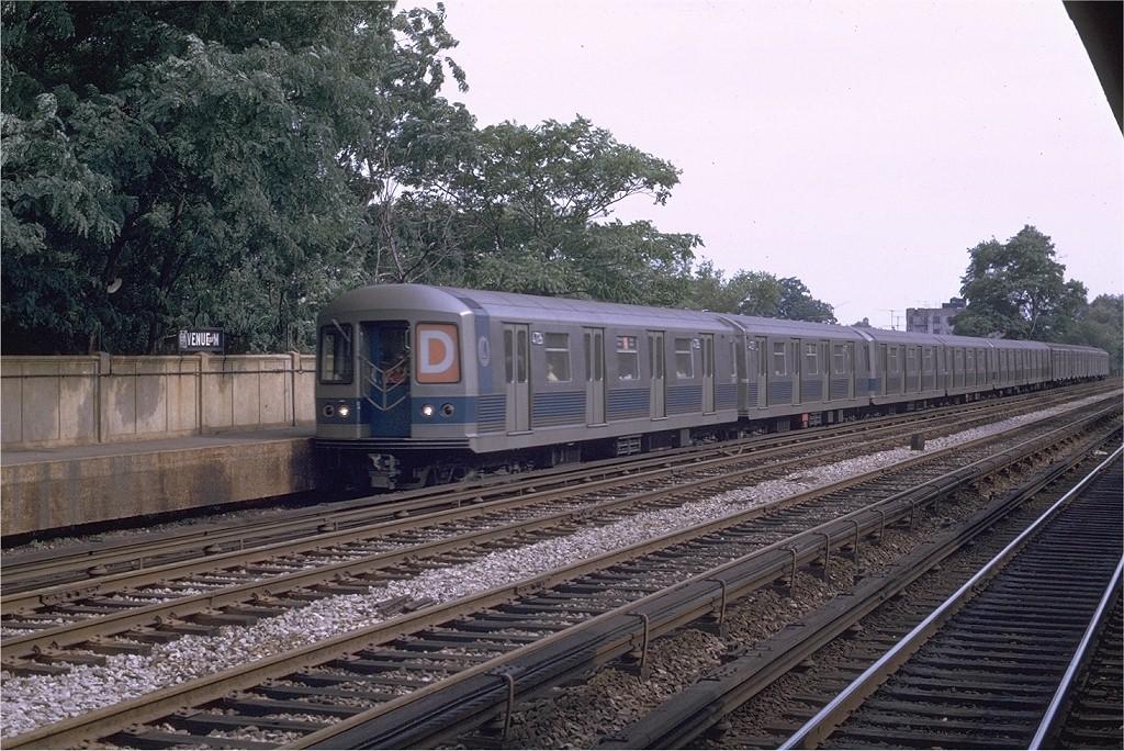 (253k, 1024x684)<br><b>Country:</b> United States<br><b>City:</b> New York<br><b>System:</b> New York City Transit<br><b>Line:</b> BMT Brighton Line<br><b>Location:</b> Avenue M <br><b>Route:</b> D<br><b>Car:</b> R-42 (St. Louis, 1969-1970)  4726 <br><b>Photo by:</b> Joe Testagrose<br><b>Date:</b> 8/9/1969<br><b>Viewed (this week/total):</b> 0 / 3619