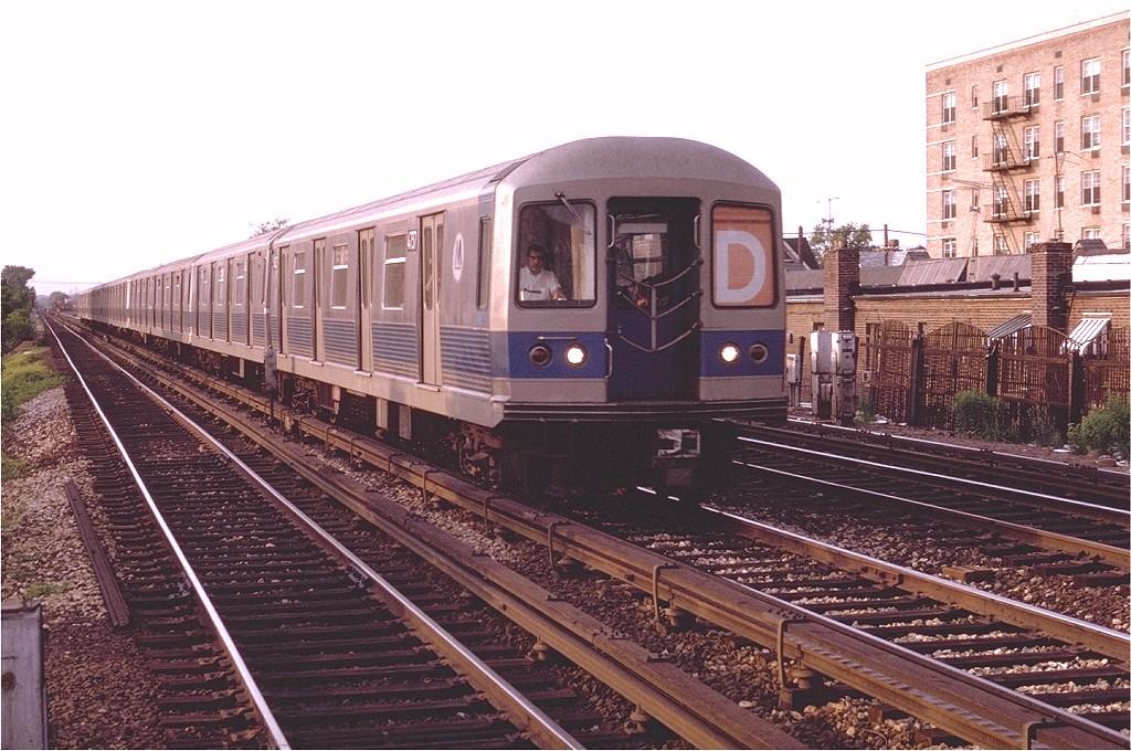 (228k, 1024x680)<br><b>Country:</b> United States<br><b>City:</b> New York<br><b>System:</b> New York City Transit<br><b>Line:</b> BMT Brighton Line<br><b>Location:</b> Avenue U <br><b>Route:</b> D<br><b>Car:</b> R-42 (St. Louis, 1969-1970)  4737 <br><b>Photo by:</b> Joe Testagrose<br><b>Date:</b> 6/10/1970<br><b>Viewed (this week/total):</b> 0 / 3722