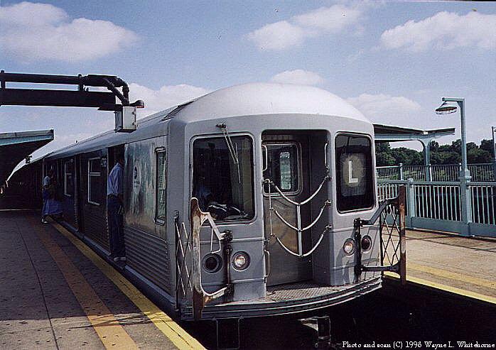 (84k, 698x493)<br><b>Country:</b> United States<br><b>City:</b> New York<br><b>System:</b> New York City Transit<br><b>Line:</b> BMT Canarsie Line<br><b>Location:</b> Broadway Junction <br><b>Route:</b> L<br><b>Car:</b> R-42 (St. Louis, 1969-1970)  4786 <br><b>Photo by:</b> Wayne Whitehorne<br><b>Date:</b> 1998<br><b>Viewed (this week/total):</b> 5 / 3276