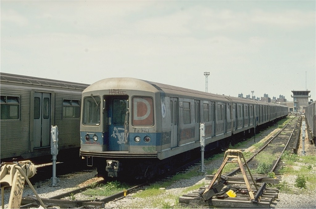 (174k, 1024x678)<br><b>Country:</b> United States<br><b>City:</b> New York<br><b>System:</b> New York City Transit<br><b>Location:</b> Coney Island Yard<br><b>Car:</b> R-42 (St. Louis, 1969-1970)  4798 <br><b>Photo by:</b> Ed McKernan<br><b>Collection of:</b> Joe Testagrose<br><b>Date:</b> 6/1975<br><b>Viewed (this week/total):</b> 0 / 3226