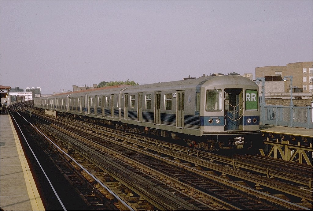 (237k, 1024x689)<br><b>Country:</b> United States<br><b>City:</b> New York<br><b>System:</b> New York City Transit<br><b>Line:</b> BMT Astoria Line<br><b>Location:</b> 30th/Grand Aves. <br><b>Route:</b> RR<br><b>Car:</b> R-42 (St. Louis, 1969-1970)  4815 <br><b>Photo by:</b> Joe Testagrose<br><b>Date:</b> 9/13/1970<br><b>Viewed (this week/total):</b> 0 / 3611