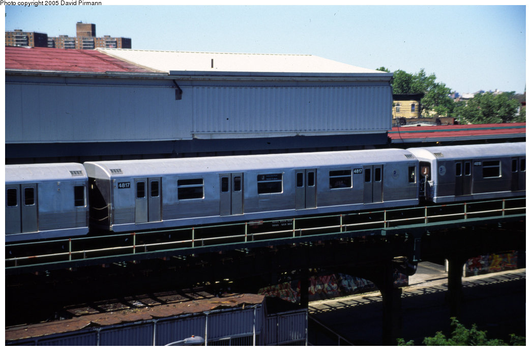(155k, 1044x690)<br><b>Country:</b> United States<br><b>City:</b> New York<br><b>System:</b> New York City Transit<br><b>Line:</b> BMT Nassau Street/Jamaica Line<br><b>Location:</b> Broadway/East New York (Broadway Junction) <br><b>Route:</b> J<br><b>Car:</b> R-42 (St. Louis, 1969-1970)  4817 <br><b>Photo by:</b> David Pirmann<br><b>Date:</b> 8/1/1998<br><b>Viewed (this week/total):</b> 1 / 4260
