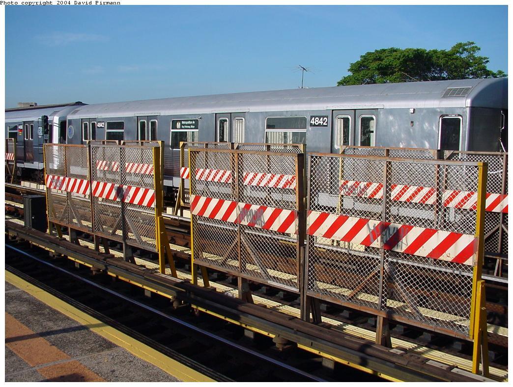 (185k, 1044x788)<br><b>Country:</b> United States<br><b>City:</b> New York<br><b>System:</b> New York City Transit<br><b>Line:</b> BMT West End Line<br><b>Location:</b> 50th Street <br><b>Route:</b> M<br><b>Car:</b> R-42 (St. Louis, 1969-1970)  4842 <br><b>Photo by:</b> David Pirmann<br><b>Date:</b> 5/31/2000<br><b>Viewed (this week/total):</b> 0 / 3002