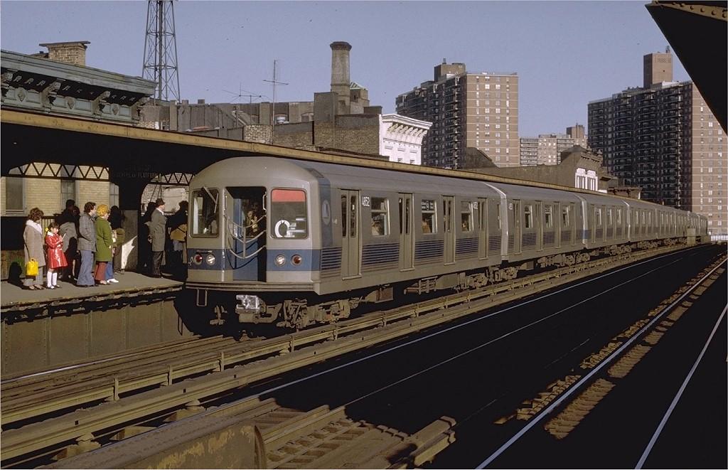 (201k, 1024x661)<br><b>Country:</b> United States<br><b>City:</b> New York<br><b>System:</b> New York City Transit<br><b>Line:</b> BMT Nassau Street/Jamaica Line<br><b>Location:</b> Hewes Street <br><b>Car:</b> R-42 (St. Louis, 1969-1970)  4852 <br><b>Photo by:</b> Joe Testagrose<br><b>Date:</b> 3/27/1971<br><b>Viewed (this week/total):</b> 4 / 3727
