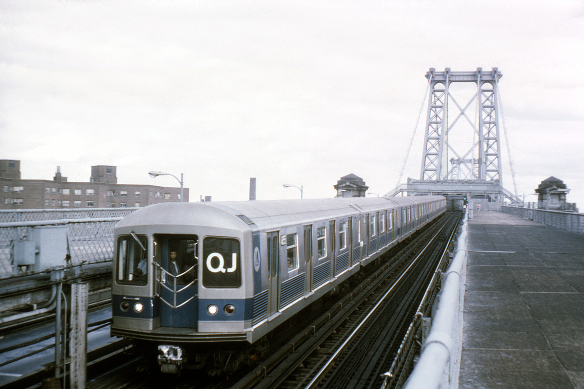 (363k, 1044x698)<br><b>Country:</b> United States<br><b>City:</b> New York<br><b>System:</b> New York City Transit<br><b>Line:</b> BMT Nassau Street/Jamaica Line<br><b>Location:</b> Williamsburg Bridge<br><b>Route:</b> QJ<br><b>Car:</b> R-42 (St. Louis, 1969-1970)  4855 <br><b>Collection of:</b> David Pirmann<br><b>Viewed (this week/total):</b> 9 / 3909