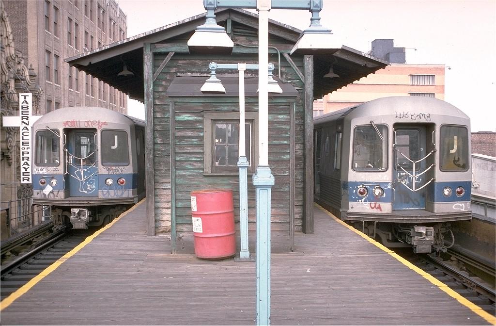 (226k, 1024x672)<br><b>Country:</b> United States<br><b>City:</b> New York<br><b>System:</b> New York City Transit<br><b>Line:</b> BMT Nassau Street/Jamaica Line<br><b>Location:</b> 168th Street (Demolished) <br><b>Route:</b> J<br><b>Car:</b> R-42 (St. Louis, 1969-1970)  4863 <br><b>Photo by:</b> Doug Grotjahn<br><b>Collection of:</b> Joe Testagrose<br><b>Notes:</b> mid-1977 or later<br><b>Viewed (this week/total):</b> 3 / 8191