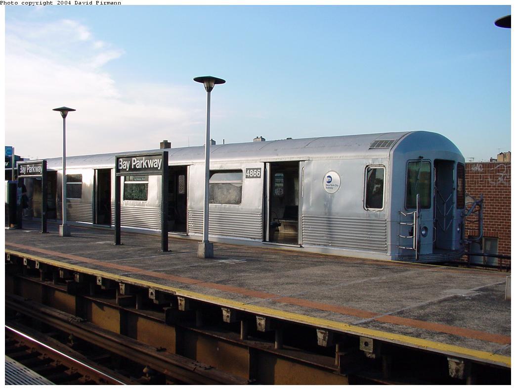 (101k, 1044x788)<br><b>Country:</b> United States<br><b>City:</b> New York<br><b>System:</b> New York City Transit<br><b>Line:</b> BMT West End Line<br><b>Location:</b> Bay Parkway <br><b>Route:</b> M<br><b>Car:</b> R-42 (St. Louis, 1969-1970)  4866 <br><b>Photo by:</b> David Pirmann<br><b>Date:</b> 5/31/2000<br><b>Viewed (this week/total):</b> 0 / 5047