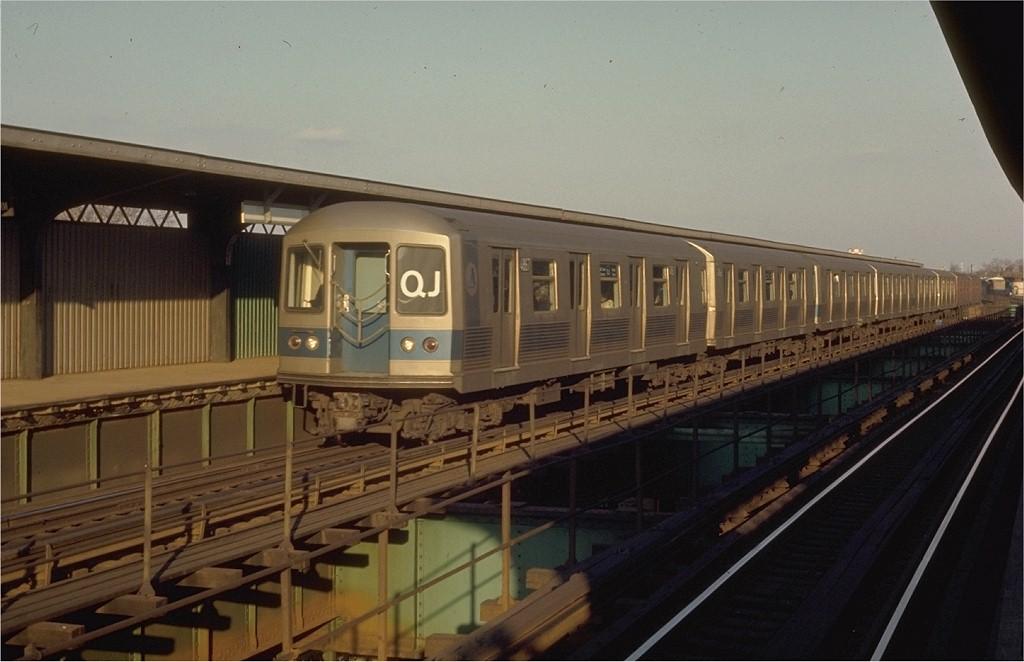 (151k, 1024x662)<br><b>Country:</b> United States<br><b>City:</b> New York<br><b>System:</b> New York City Transit<br><b>Line:</b> BMT Nassau Street/Jamaica Line<br><b>Location:</b> 102nd-104th Streets <br><b>Route:</b> QJ<br><b>Car:</b> R-42 (St. Louis, 1969-1970)  4867 <br><b>Photo by:</b> Joe Testagrose<br><b>Date:</b> 2/28/1970<br><b>Viewed (this week/total):</b> 0 / 4507