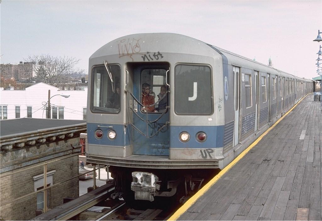 (193k, 1024x703)<br><b>Country:</b> United States<br><b>City:</b> New York<br><b>System:</b> New York City Transit<br><b>Line:</b> BMT Nassau Street-Jamaica Line<br><b>Location:</b> Norwood Avenue<br><b>Route:</b> J<br><b>Car:</b> R-42 (St. Louis, 1969-1970) 4884 <br><b>Photo by:</b> Doug Grotjahn<br><b>Collection of:</b> Joe Testagrose<br><b>Date:</b> 11/7/1976<br><b>Viewed (this week/total):</b> 0 / 6182