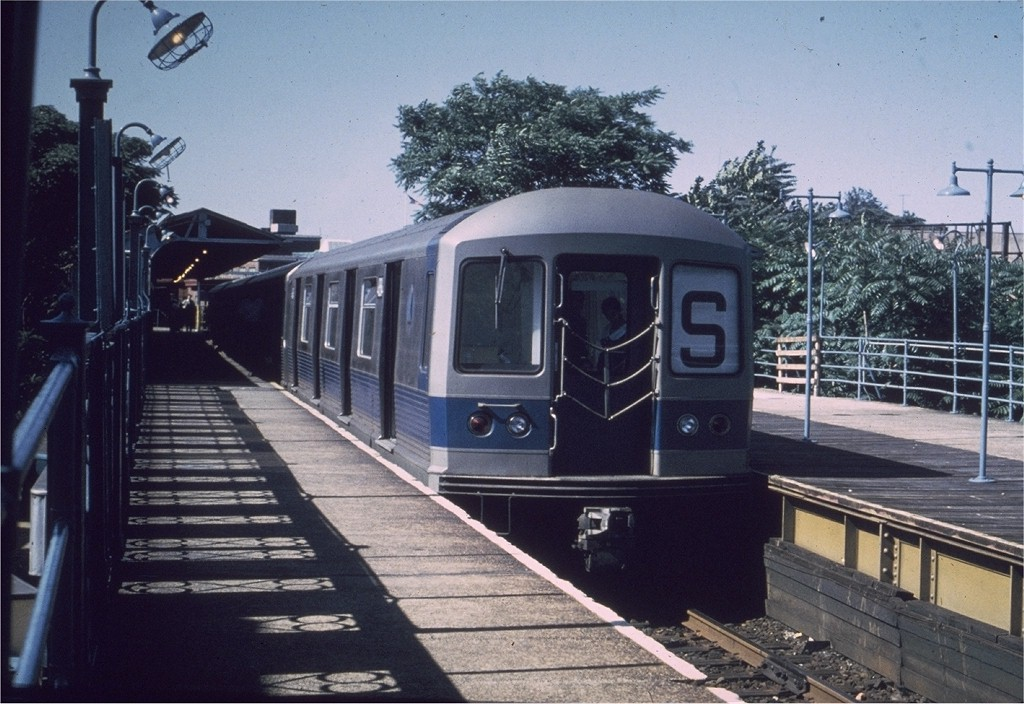 (204k, 1024x704)<br><b>Country:</b> United States<br><b>City:</b> New York<br><b>System:</b> New York City Transit<br><b>Line:</b> BMT Franklin<br><b>Location:</b> Franklin Avenue <br><b>Route:</b> Franklin Shuttle<br><b>Car:</b> R-42 (St. Louis, 1969-1970)  4884 <br><b>Photo by:</b> Joe Testagrose<br><b>Date:</b> 7/1970<br><b>Viewed (this week/total):</b> 0 / 3669