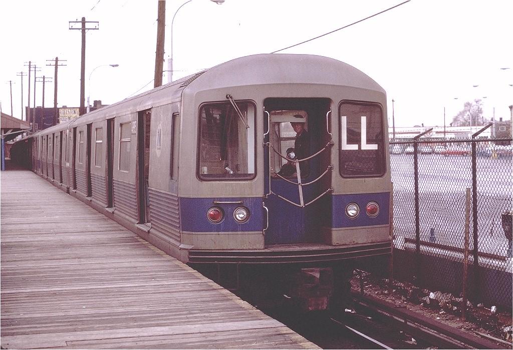 (226k, 1024x699)<br><b>Country:</b> United States<br><b>City:</b> New York<br><b>System:</b> New York City Transit<br><b>Line:</b> BMT Canarsie Line<br><b>Location:</b> Rockaway Parkway <br><b>Route:</b> LL<br><b>Car:</b> R-42 (St. Louis, 1969-1970)  4895 <br><b>Photo by:</b> Joe Testagrose<br><b>Date:</b> 11/14/1970<br><b>Viewed (this week/total):</b> 2 / 3862