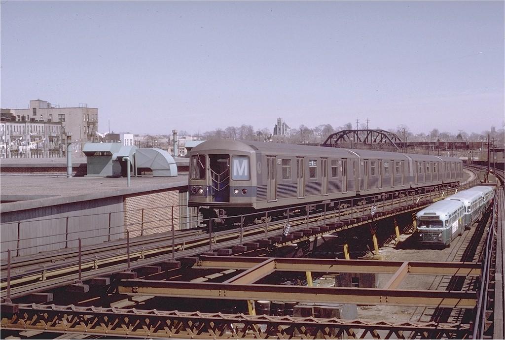 (215k, 1024x690)<br><b>Country:</b> United States<br><b>City:</b> New York<br><b>System:</b> New York City Transit<br><b>Line:</b> BMT Myrtle Avenue Line<br><b>Location:</b> Fresh Pond Road <br><b>Route:</b> M<br><b>Car:</b> R-42 (St. Louis, 1969-1970)  4907 <br><b>Photo by:</b> Joe Testagrose<br><b>Date:</b> 3/27/1971<br><b>Viewed (this week/total):</b> 1 / 4562