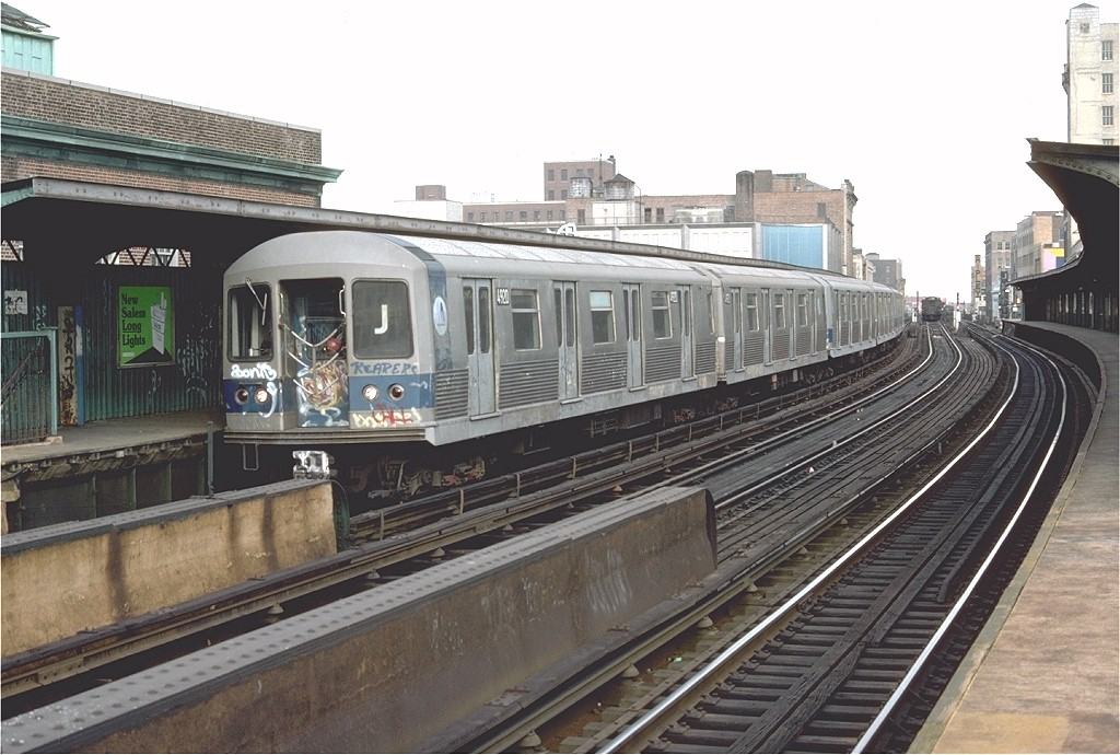 (196k, 1024x690)<br><b>Country:</b> United States<br><b>City:</b> New York<br><b>System:</b> New York City Transit<br><b>Line:</b> BMT Nassau Street/Jamaica Line<br><b>Location:</b> 160th Street (Demolished) <br><b>Route:</b> J<br><b>Car:</b> R-42 (St. Louis, 1969-1970)  4920 <br><b>Photo by:</b> Doug Grotjahn<br><b>Collection of:</b> Joe Testagrose<br><b>Date:</b> 11/7/1976<br><b>Viewed (this week/total):</b> 2 / 6870