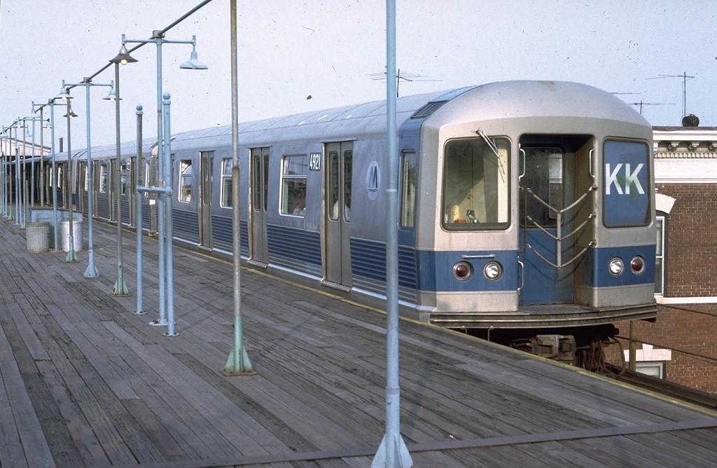 (196k, 1024x668)<br><b>Country:</b> United States<br><b>City:</b> New York<br><b>System:</b> New York City Transit<br><b>Line:</b> BMT Nassau Street/Jamaica Line<br><b>Location:</b> Crescent Street <br><b>Route:</b> KK<br><b>Car:</b> R-42 (St. Louis, 1969-1970)  4921 <br><b>Photo by:</b> Doug Grotjahn<br><b>Collection of:</b> Joe Testagrose<br><b>Date:</b> 8/1/1972<br><b>Viewed (this week/total):</b> 0 / 5061