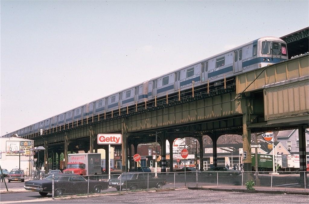 (232k, 1024x678)<br><b>Country:</b> United States<br><b>City:</b> New York<br><b>System:</b> New York City Transit<br><b>Line:</b> BMT Culver Line<br><b>Location:</b> 18th Avenue <br><b>Route:</b> F<br><b>Car:</b> R-44 (St. Louis, 1971-73) 124 <br><b>Photo by:</b> Doug Grotjahn<br><b>Collection of:</b> Joe Testagrose<br><b>Date:</b> 5/2/1976<br><b>Viewed (this week/total):</b> 2 / 7320