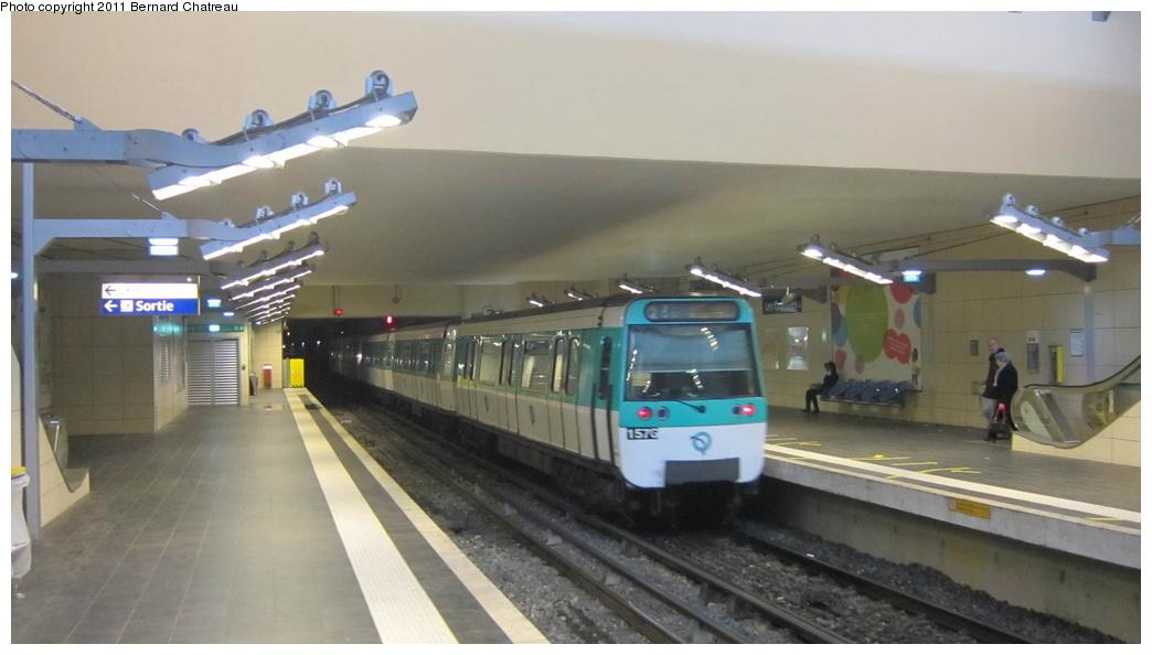 (193k, 1044x594)<br><b>Country:</b> France<br><b>City:</b> Paris<br><b>System:</b> RATP (Régie Autonome des Transports Parisiens)<br><b>Line:</b> Metro Ligne 13<br><b>Location:</b> Les Courtilles--Asnières-Gennevilliers <br><b>Car:</b> MF77 30313 <br><b>Photo by:</b> Bernard Chatreau<br><b>Date:</b> 1/11/2011<br><b>Viewed (this week/total):</b> 0 / 508