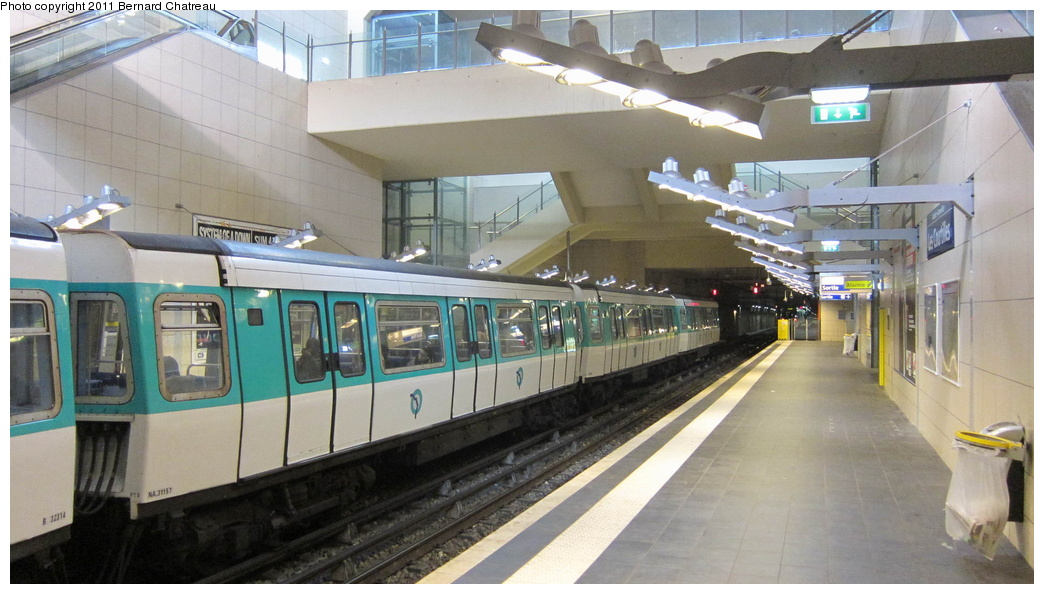 (256k, 1044x594)<br><b>Country:</b> France<br><b>City:</b> Paris<br><b>System:</b> RATP (Régie Autonome des Transports Parisiens)<br><b>Line:</b> Metro Ligne 13<br><b>Location:</b> Les Courtilles--Asnières-Gennevilliers <br><b>Car:</b> MF77 31157 <br><b>Photo by:</b> Bernard Chatreau<br><b>Date:</b> 1/11/2011<br><b>Viewed (this week/total):</b> 1 / 350