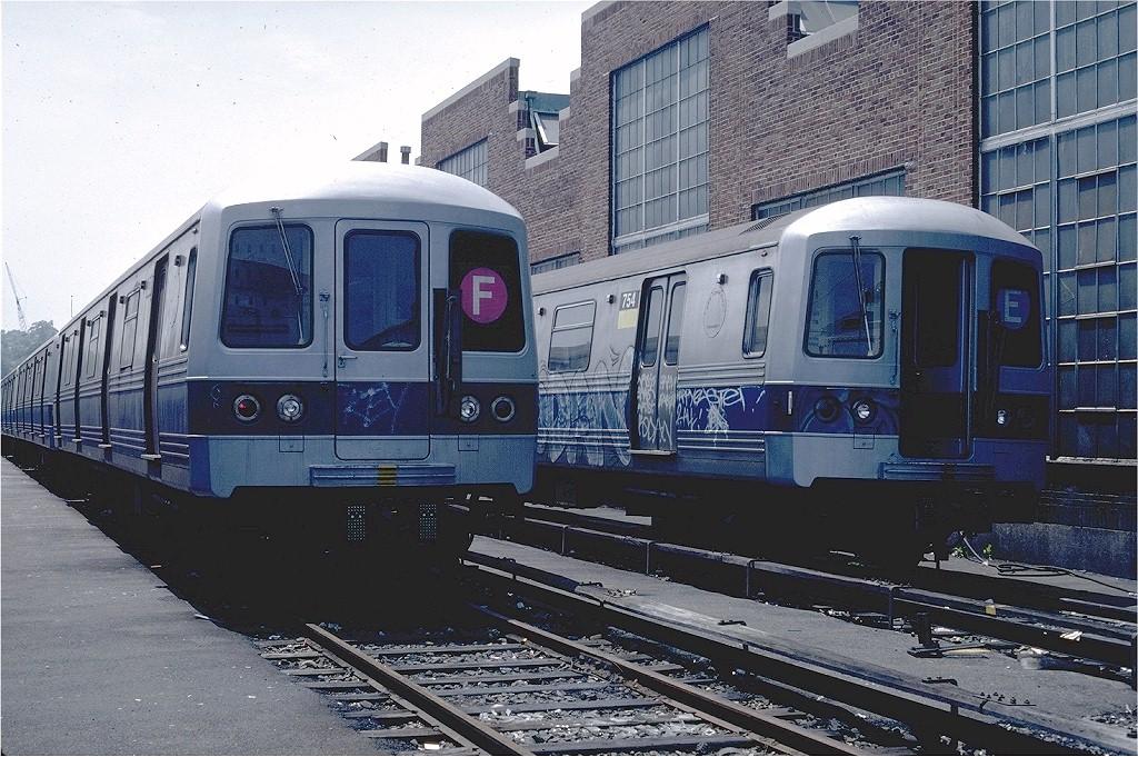 (246k, 1024x681)<br><b>Country:</b> United States<br><b>City:</b> New York<br><b>System:</b> New York City Transit<br><b>Location:</b> Jamaica Yard/Shops<br><b>Car:</b> R-46 (Pullman-Standard, 1974-75) 1086 <br><b>Photo by:</b> Steve Zabel<br><b>Collection of:</b> Joe Testagrose<br><b>Date:</b> 6/22/1981<br><b>Viewed (this week/total):</b> 2 / 6273