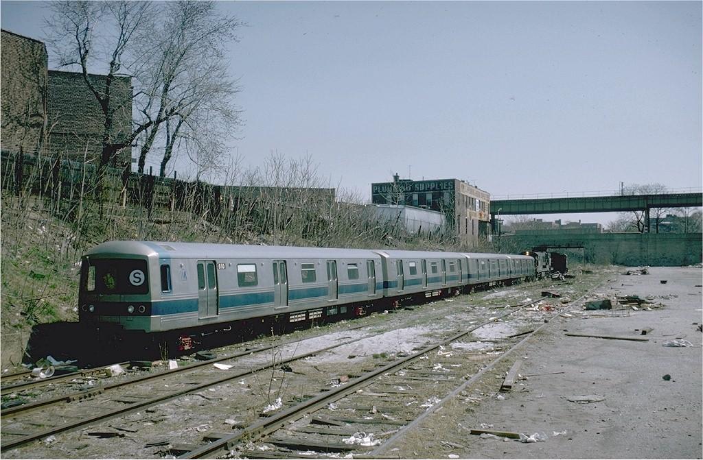 (244k, 1024x671)<br><b>Country:</b> United States<br><b>City:</b> New York<br><b>System:</b> New York City Transit<br><b>Location:</b> LIRR Parkville Jct<br><b>Car:</b> R-46 (Pullman-Standard, 1974-75) 508 <br><b>Photo by:</b> Steve Zabel<br><b>Collection of:</b> Joe Testagrose<br><b>Date:</b> 4/23/1975<br><b>Viewed (this week/total):</b> 0 / 4974