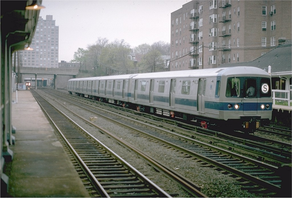 (229k, 1024x693)<br><b>Country:</b> United States<br><b>City:</b> New York<br><b>System:</b> Long Island Rail Road<br><b>Line:</b> LIRR Main Line<br><b>Location:</b> Kew Gardens <br><b>Car:</b> R-46 (Pullman-Standard, 1974-75) 508 <br><b>Photo by:</b> Steve Zabel<br><b>Collection of:</b> Joe Testagrose<br><b>Date:</b> 4/24/1975<br><b>Notes:</b> Testing on LIRR.<br><b>Viewed (this week/total):</b> 2 / 4982