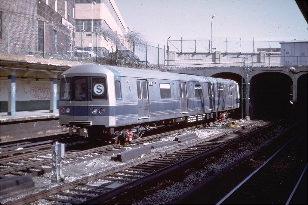 (246k, 1024x682)<br><b>Country:</b> United States<br><b>City:</b> New York<br><b>System:</b> New York City Transit<br><b>Line:</b> BMT Sea Beach Line<br><b>Location:</b> New Utrecht Avenue <br><b>Car:</b> R-46 (Pullman-Standard, 1974-75) 510 <br><b>Photo by:</b> Doug Grotjahn<br><b>Collection of:</b> Joe Testagrose<br><b>Date:</b> 4/7/1975<br><b>Viewed (this week/total):</b> 0 / 6031