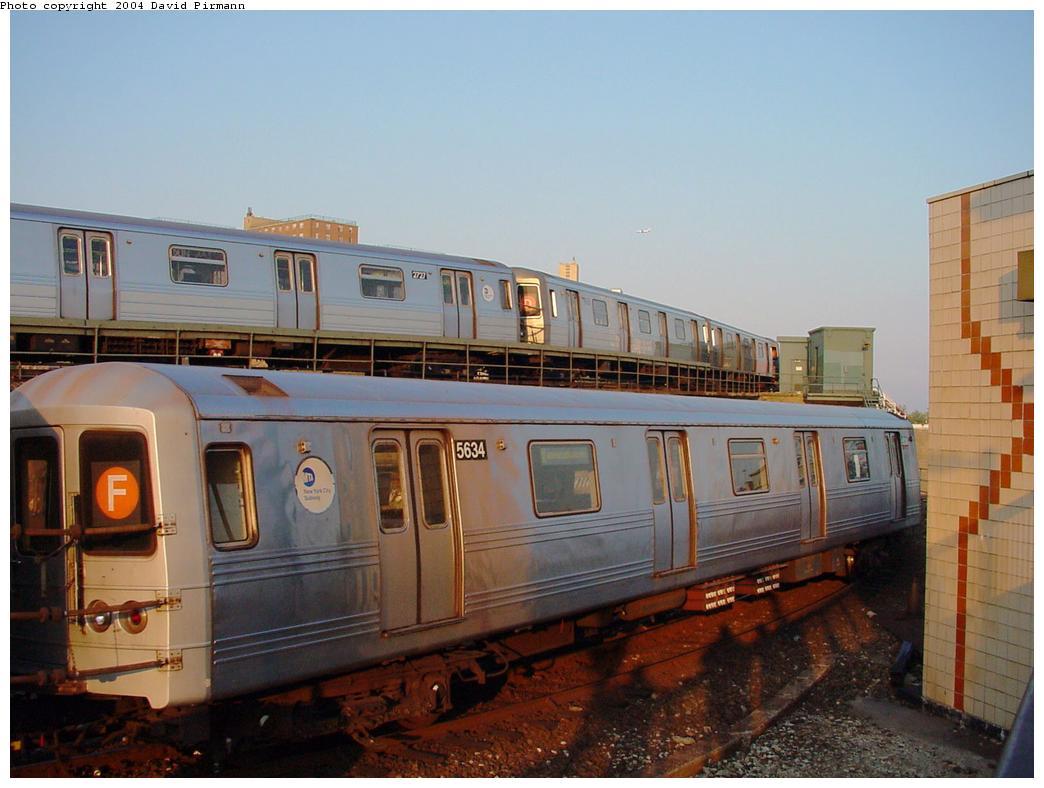 (108k, 1044x788)<br><b>Country:</b> United States<br><b>City:</b> New York<br><b>System:</b> New York City Transit<br><b>Location:</b> Coney Island/Stillwell Avenue<br><b>Route:</b> F<br><b>Car:</b> R-46 (Pullman-Standard, 1974-75) 5634 <br><b>Photo by:</b> David Pirmann<br><b>Date:</b> 5/17/2000<br><b>Viewed (this week/total):</b> 0 / 4965