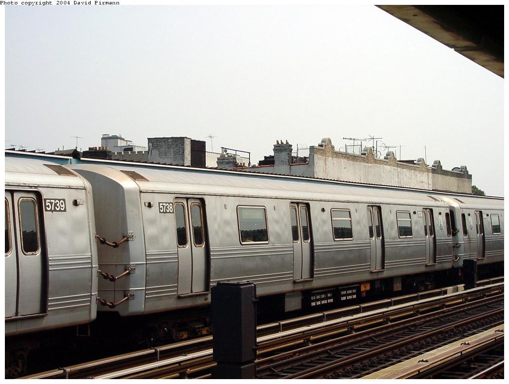 (114k, 1044x788)<br><b>Country:</b> United States<br><b>City:</b> New York<br><b>System:</b> New York City Transit<br><b>Line:</b> BMT Culver Line<br><b>Location:</b> Ditmas Avenue<br><b>Route:</b> F<br><b>Car:</b> R-46 (Pullman-Standard, 1974-75) 5738 <br><b>Photo by:</b> David Pirmann<br><b>Date:</b> 8/27/2000<br><b>Viewed (this week/total):</b> 4 / 3416