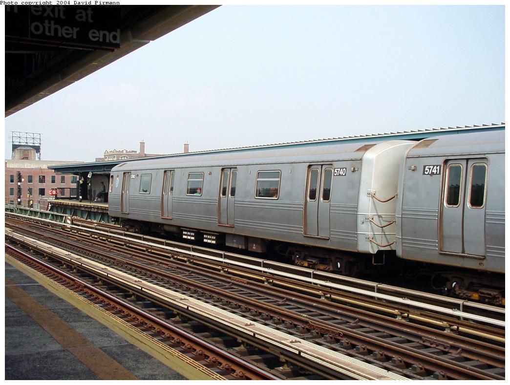 (133k, 1044x788)<br><b>Country:</b> United States<br><b>City:</b> New York<br><b>System:</b> New York City Transit<br><b>Line:</b> BMT Culver Line<br><b>Location:</b> Ditmas Avenue <br><b>Route:</b> F<br><b>Car:</b> R-46 (Pullman-Standard, 1974-75) 5740 <br><b>Photo by:</b> David Pirmann<br><b>Date:</b> 8/27/2000<br><b>Viewed (this week/total):</b> 0 / 2784