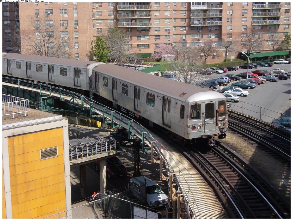 (115k, 820x620)<br><b>Country:</b> United States<br><b>City:</b> New York<br><b>System:</b> New York City Transit<br><b>Line:</b> BMT Culver Line<br><b>Location:</b> West 8th Street <br><b>Car:</b> R-46 (Pullman-Standard, 1974-75) 6030 <br><b>Photo by:</b> Richard Panse<br><b>Date:</b> 4/9/2002<br><b>Viewed (this week/total):</b> 0 / 5669