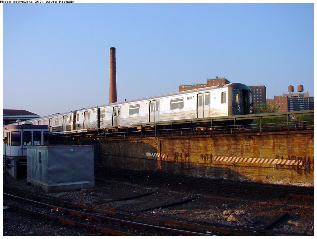(109k, 1044x788)<br><b>Country:</b> United States<br><b>City:</b> New York<br><b>System:</b> New York City Transit<br><b>Location:</b> Coney Island/Stillwell Avenue<br><b>Route:</b> D<br><b>Car:</b> R-68 (Westinghouse-Amrail, 1986-1988)  2508 <br><b>Photo by:</b> David Pirmann<br><b>Date:</b> 5/17/2000<br><b>Viewed (this week/total):</b> 3 / 5433