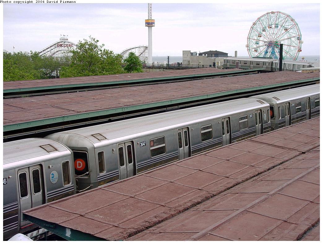 (162k, 1044x788)<br><b>Country:</b> United States<br><b>City:</b> New York<br><b>System:</b> New York City Transit<br><b>Location:</b> Coney Island/Stillwell Avenue<br><b>Route:</b> D<br><b>Car:</b> R-68 (Westinghouse-Amrail, 1986-1988)  2647 <br><b>Photo by:</b> David Pirmann<br><b>Date:</b> 6/18/2000<br><b>Viewed (this week/total):</b> 0 / 5331