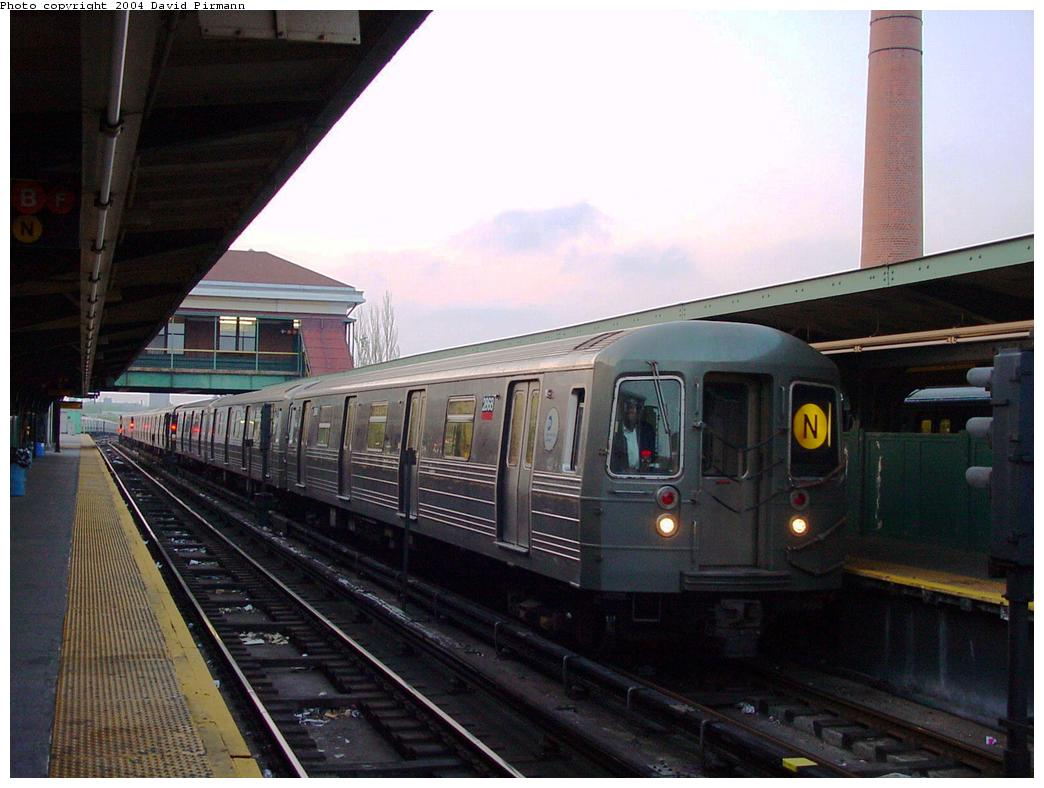 (110k, 1044x788)<br><b>Country:</b> United States<br><b>City:</b> New York<br><b>System:</b> New York City Transit<br><b>Location:</b> Coney Island/Stillwell Avenue<br><b>Route:</b> N<br><b>Car:</b> R-68 (Westinghouse-Amrail, 1986-1988)  2668 <br><b>Photo by:</b> David Pirmann<br><b>Date:</b> 5/17/2000<br><b>Viewed (this week/total):</b> 0 / 5175