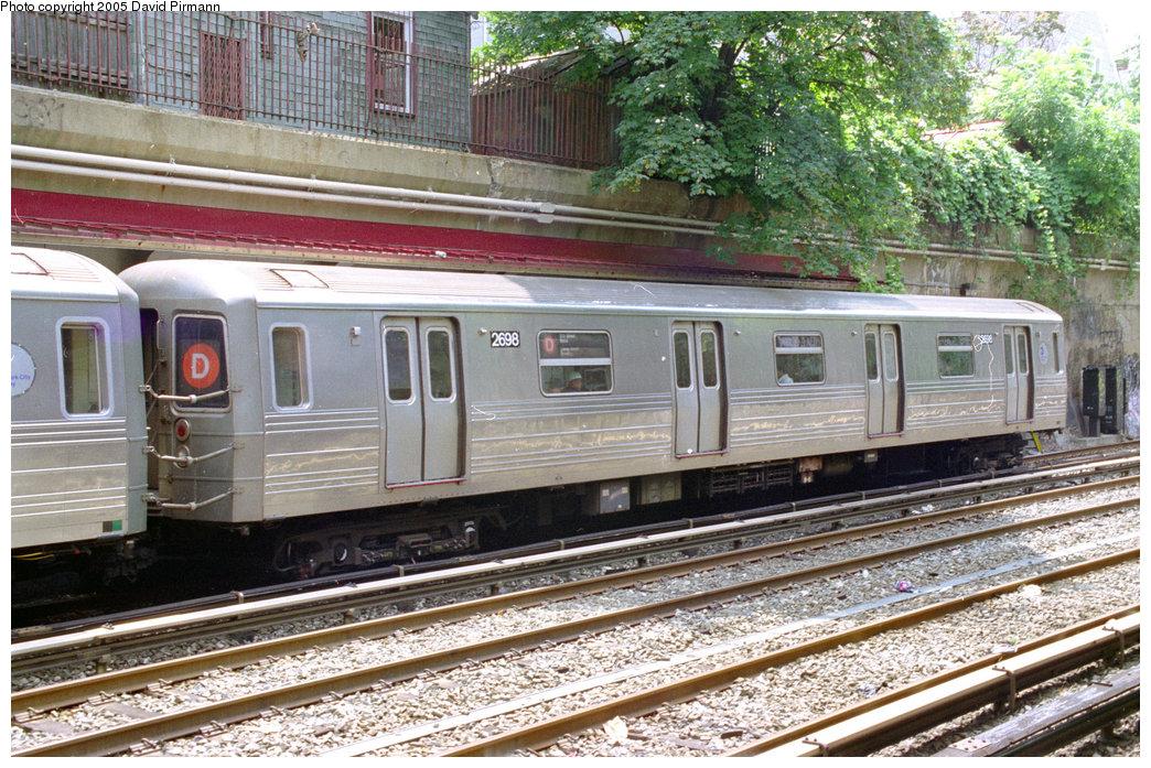 (294k, 1044x697)<br><b>Country:</b> United States<br><b>City:</b> New York<br><b>System:</b> New York City Transit<br><b>Line:</b> BMT Brighton Line<br><b>Location:</b> Beverley Road <br><b>Route:</b> D<br><b>Car:</b> R-68 (Westinghouse-Amrail, 1986-1988)  2698 <br><b>Photo by:</b> David Pirmann<br><b>Date:</b> 7/18/1998<br><b>Viewed (this week/total):</b> 0 / 13344