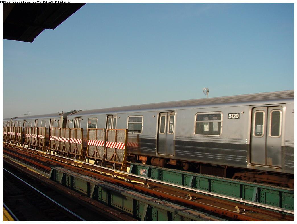 (96k, 1044x788)<br><b>Country:</b> United States<br><b>City:</b> New York<br><b>System:</b> New York City Transit<br><b>Line:</b> BMT West End Line<br><b>Location:</b> 71st Street <br><b>Route:</b> B<br><b>Car:</b> R-68A (Kawasaki, 1988-1989)  5120 <br><b>Photo by:</b> David Pirmann<br><b>Date:</b> 5/31/2000<br><b>Viewed (this week/total):</b> 0 / 3887