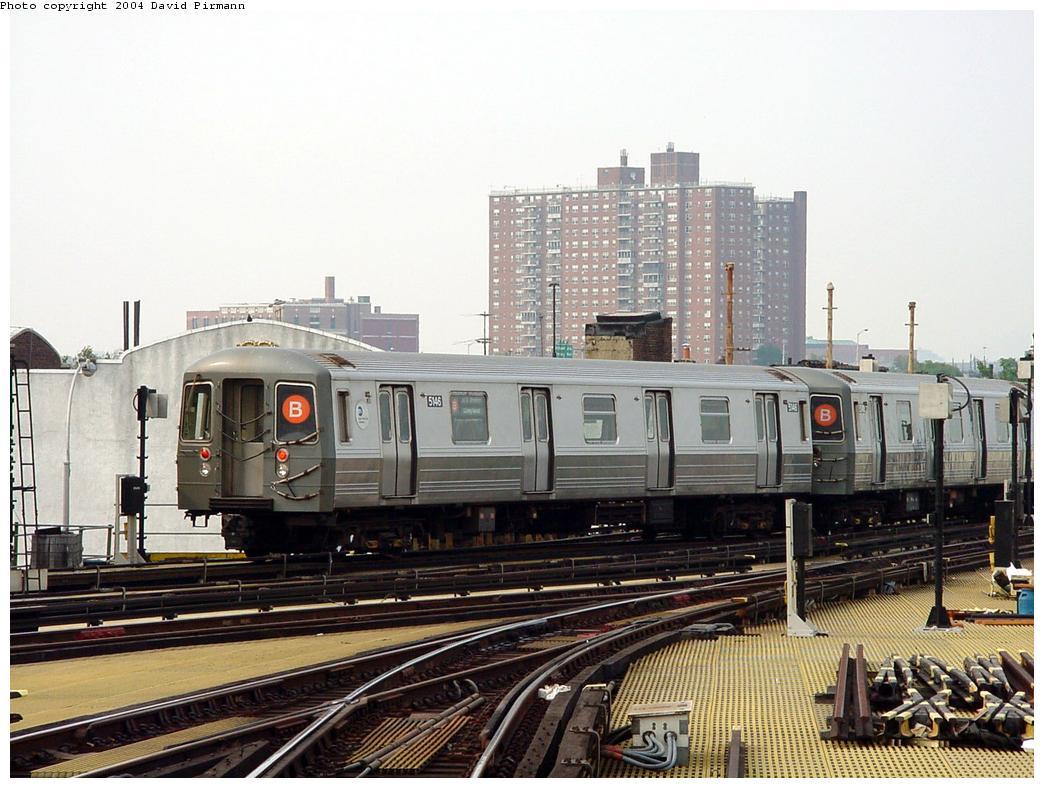 (137k, 1044x788)<br><b>Country:</b> United States<br><b>City:</b> New York<br><b>System:</b> New York City Transit<br><b>Location:</b> Coney Island/Stillwell Avenue<br><b>Route:</b> B<br><b>Car:</b> R-68A (Kawasaki, 1988-1989)  5146 <br><b>Photo by:</b> David Pirmann<br><b>Date:</b> 8/27/2000<br><b>Viewed (this week/total):</b> 4 / 4572