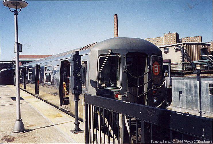 (104k, 742x502)<br><b>Country:</b> United States<br><b>City:</b> New York<br><b>System:</b> New York City Transit<br><b>Location:</b> Coney Island/Stillwell Avenue<br><b>Route:</b> B<br><b>Car:</b> R-68A (Kawasaki, 1988-1989)  5070 <br><b>Photo by:</b> Wayne Whitehorne<br><b>Date:</b> 4/28/1998<br><b>Viewed (this week/total):</b> 1 / 4888