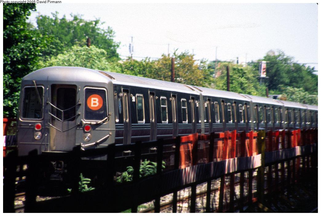 (189k, 1044x704)<br><b>Country:</b> United States<br><b>City:</b> New York<br><b>System:</b> New York City Transit<br><b>Line:</b> BMT Sea Beach Line<br><b>Location:</b> 8th Avenue <br><b>Route:</b> B<br><b>Car:</b> R-68A (Kawasaki, 1988-1989)  5180 <br><b>Photo by:</b> David Pirmann<br><b>Date:</b> 7/8/1999<br><b>Notes:</b> Re-routed B trains running southbound on the Sea Beach (N) express<br><b>Viewed (this week/total):</b> 0 / 5465