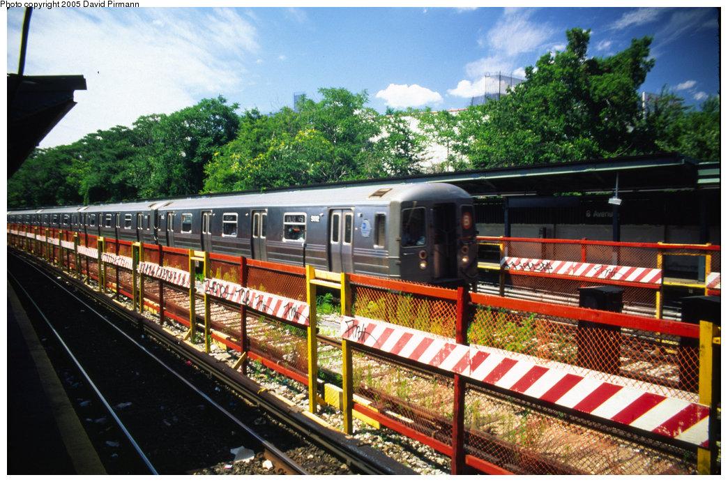 (277k, 1044x691)<br><b>Country:</b> United States<br><b>City:</b> New York<br><b>System:</b> New York City Transit<br><b>Line:</b> BMT Sea Beach Line<br><b>Location:</b> 8th Avenue <br><b>Route:</b> B<br><b>Car:</b> R-68A (Kawasaki, 1988-1989)  5112 <br><b>Photo by:</b> David Pirmann<br><b>Date:</b> 7/8/1999<br><b>Notes:</b> Re-routed B trains running southbound on the Sea Beach (N) express<br><b>Viewed (this week/total):</b> 1 / 4314