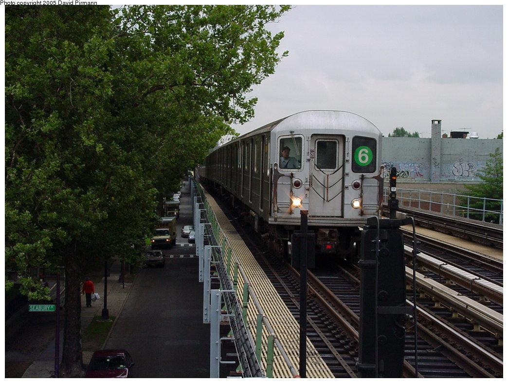 (204k, 1044x788)<br><b>Country:</b> United States<br><b>City:</b> New York<br><b>System:</b> New York City Transit<br><b>Line:</b> IRT Pelham Line<br><b>Location:</b> Westchester Square <br><b>Route:</b> 6<br><b>Car:</b> R-62A (Bombardier, 1984-1987)   <br><b>Photo by:</b> David Pirmann<br><b>Date:</b> 7/29/2000<br><b>Viewed (this week/total):</b> 0 / 5402