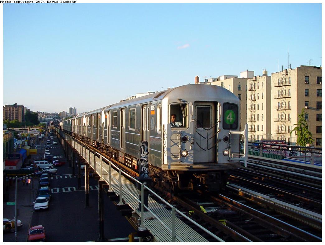 (124k, 1044x788)<br><b>Country:</b> United States<br><b>City:</b> New York<br><b>System:</b> New York City Transit<br><b>Line:</b> IRT Woodlawn Line<br><b>Location:</b> 167th Street <br><b>Route:</b> 4<br><b>Car:</b> R-62 (Kawasaki, 1983-1985)  1335 <br><b>Photo by:</b> David Pirmann<br><b>Date:</b> 7/12/2001<br><b>Viewed (this week/total):</b> 4 / 13572