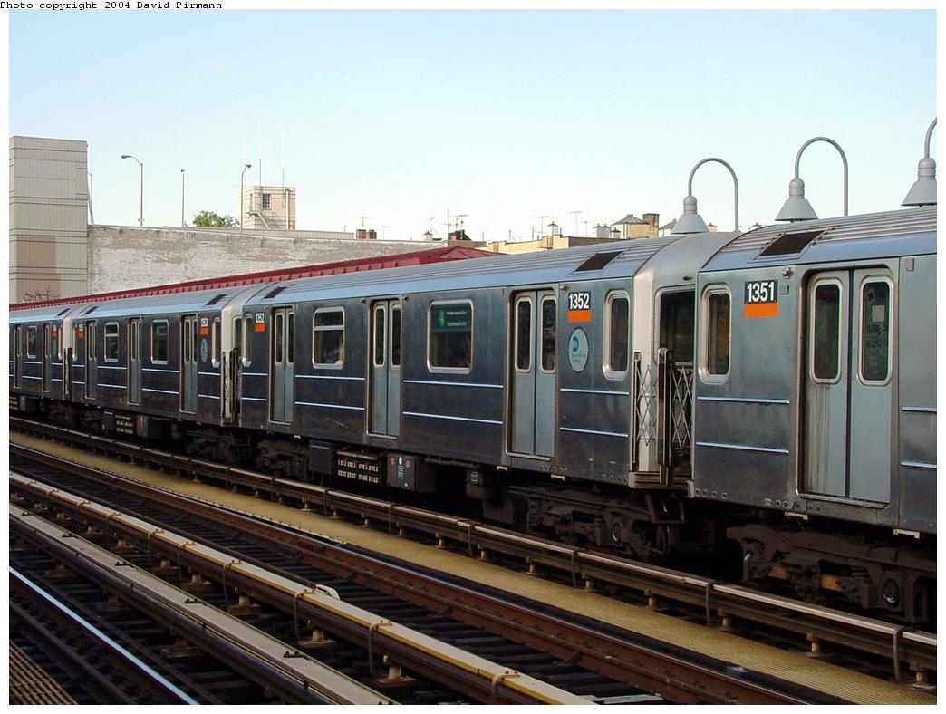 (127k, 1044x788)<br><b>Country:</b> United States<br><b>City:</b> New York<br><b>System:</b> New York City Transit<br><b>Line:</b> IRT Woodlawn Line<br><b>Location:</b> Fordham Road <br><b>Route:</b> 4<br><b>Car:</b> R-62 (Kawasaki, 1983-1985)  1352 <br><b>Photo by:</b> David Pirmann<br><b>Date:</b> 7/12/2001<br><b>Viewed (this week/total):</b> 2 / 4307