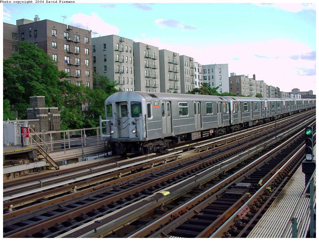 (170k, 1044x788)<br><b>Country:</b> United States<br><b>City:</b> New York<br><b>System:</b> New York City Transit<br><b>Line:</b> IRT Woodlawn Line<br><b>Location:</b> Mt. Eden Avenue <br><b>Route:</b> 4<br><b>Car:</b> R-62 (Kawasaki, 1983-1985)  1411 <br><b>Photo by:</b> David Pirmann<br><b>Date:</b> 7/12/2001<br><b>Viewed (this week/total):</b> 2 / 5120