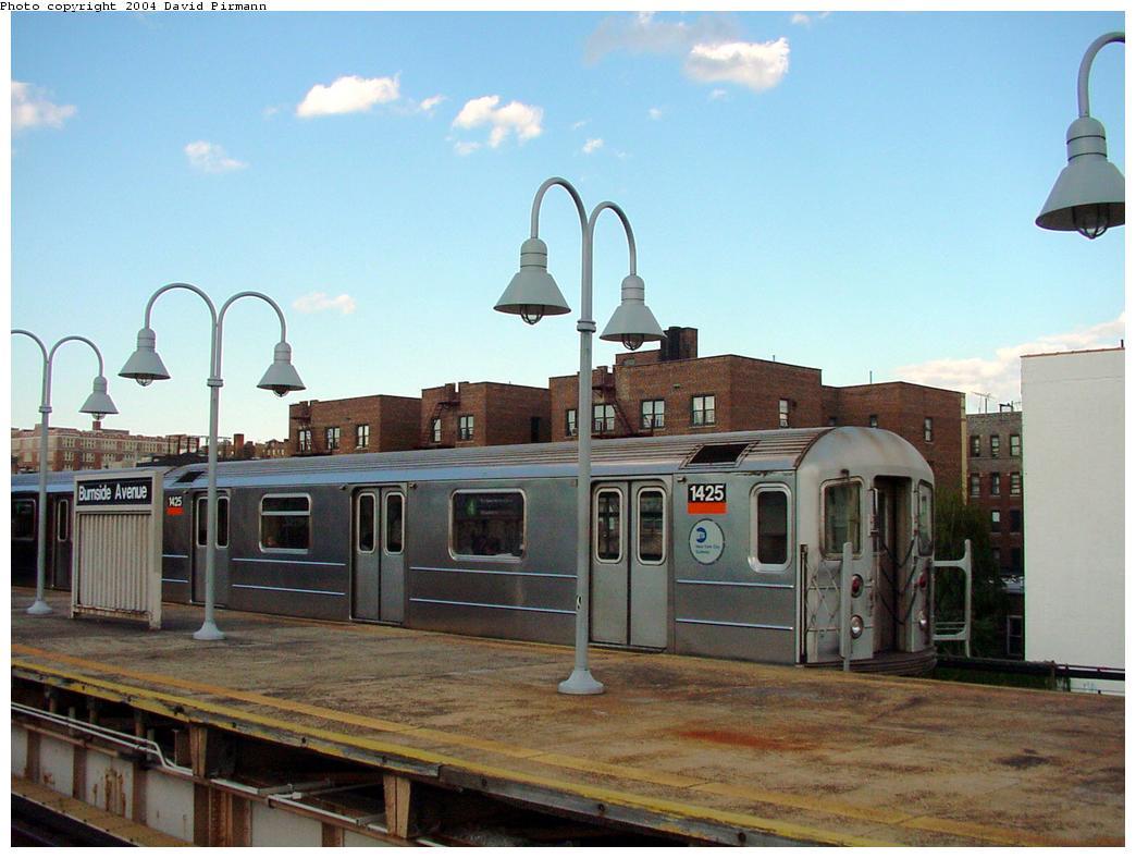 (110k, 1044x788)<br><b>Country:</b> United States<br><b>City:</b> New York<br><b>System:</b> New York City Transit<br><b>Line:</b> IRT Woodlawn Line<br><b>Location:</b> Burnside Avenue <br><b>Route:</b> 4<br><b>Car:</b> R-62 (Kawasaki, 1983-1985)  1425 <br><b>Photo by:</b> David Pirmann<br><b>Date:</b> 7/12/2001<br><b>Viewed (this week/total):</b> 5 / 4986