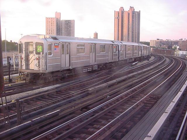 (61k, 640x480)<br><b>Country:</b> United States<br><b>City:</b> New York<br><b>System:</b> New York City Transit<br><b>Line:</b> IRT Woodlawn Line<br><b>Location:</b> Bedford Park Boulevard <br><b>Route:</b> 4<br><b>Car:</b> R-62 (Kawasaki, 1983-1985)  1441 <br><b>Photo by:</b> Salaam Allah<br><b>Date:</b> 9/22/2002<br><b>Viewed (this week/total):</b> 0 / 5005